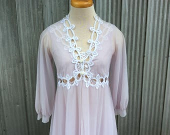 1960's maxi nightgown and bathrobe - Chic Lingerie Zaza Gabor bathrobe - Fancy white lilac chiffon nightgown