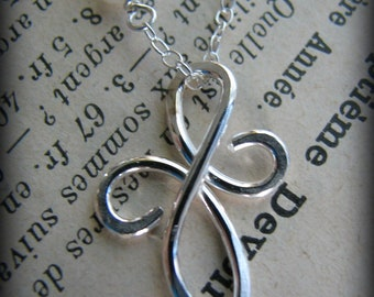 Small Friendship Necklace - FriendsTattoo Sterling Silver - Gift Best Friend Girlfriend Sister Cousin Daughter Mother