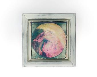 Mini mandala autunnale da appendere, fotografia polaroid originale trasferita su tela. Piccolo e quadrato con cornice stile shabby grigia