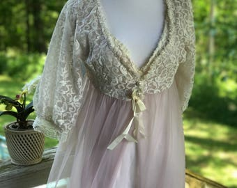 Belle Smith 60's 70's vintage Peignoir blush pale pink ivory lace sheer nightie robe bride trousseau honeynoon lingerie