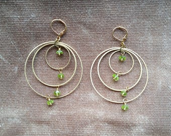 Peridot on brass connected circles rings hoops