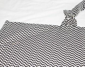 Black and White Chevron Nursing Cover