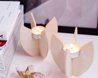 Candle-tealighted lotus flower, natural wood