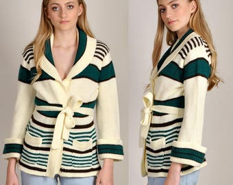 cozy vintage 1970's knit cardigan with belt and front pockets       H7