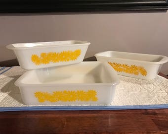 Vintage yellow daisy Glasbake bake set of 3 glass pans