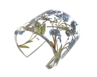 Forget Me Nots Bracelet. Modern Botanical Eco Resin Bracelet. Wide Bracelet with Personalized Engraving. Handmade Resin Jewelry