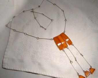 Blanc & ambre ultramoderne en métal boucles collier des années 1960 à la main faite trois gouttes