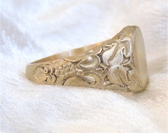 Arts and Crafts Style Yellow Gold Signet Ring