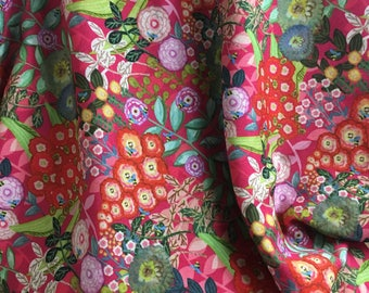 Gorgeous woven red floral crêpe fabric