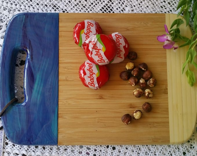 SOLD - Bamboo cheeseboard customised with original artwork by mineralphotos