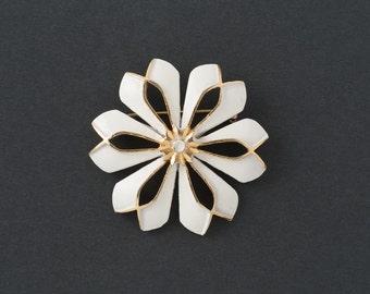 Vintage Coro Flower Brooch     White Enamel