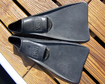 Vintage Swimming Fins.Black Rubber Fins.Swimming Pool Decor.Scuba Fins.Diving Flippers.Vintage Diving Equipment.Retro Beach Decor.Snorkeling