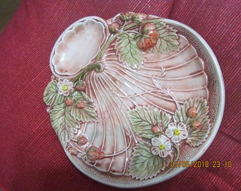 Ready to Paint Ceramic Bisque Art Nouveau Strawberry Shell Soap Dish