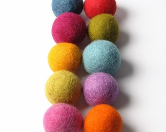 Multi Mix - 10PC Felt Balls 3CM