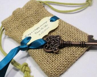 Key Bottle Opener - Wedding Favor - Burlap Bag - Skeleton Key - Personalized - Custom - Unique - Set o 10 - Vintage inspired