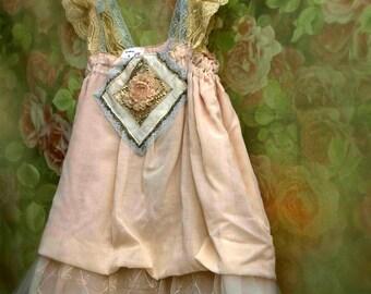 Flapper inspired flower girl. Bohemian flower girl dress. Rustic lace dress. Pale peach lace dress. Girl Size 9
