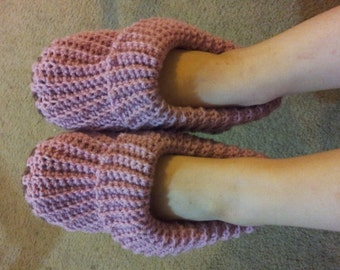 Woolly Jumper Slippers crochet pattern in English only