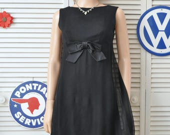 Vintage 60s Womens-Junior Black Cocktail Dress Sheer Organza Flowing Overlay Sleeveless Satin Bow Trim Costume XS-small As Is Distressed