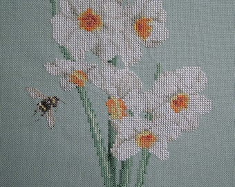 Embroidery white narcissi