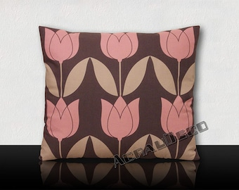 Tulips graphics tulips cushion pink mouse Orchid/gray leaves on grey background
