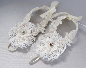Silver  Rhinestone White Lace barefoot sandals , Baptism, Baby shoes, baby Jewelry ,Baby barefoot sandals, Foot Accessories - S-01