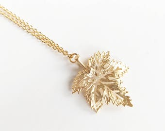 Gold Maple Leaf Necklace, Mother Gift, Nature Gardener Gift For mom, Gold Leaf Necklace, Canadian Jewelry, Gift For Mom, Toronto Canada