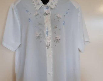 Sheer embroidered Blouse VTG Button up