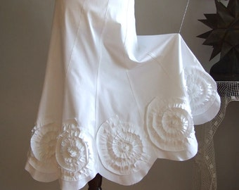 Skirt with rosettes in off white, prairie bride skirt, wedding skirt, summer wedding skirt, boho skirt, made to order