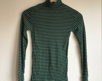 1970s Vintage Green Striped Turtleneck Long Sleeve Tee