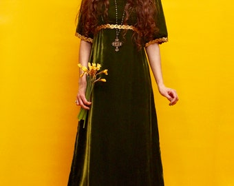Romantic Emerald Velvet Green Medieval Goddess Dress