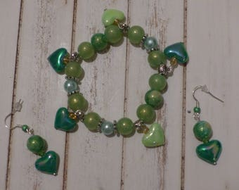Set bracelet and earrings glass beads in green