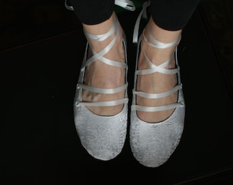 US 8 / Euro 38 / UK 6.5, Ready to Ship, silk slippers, pale ivory