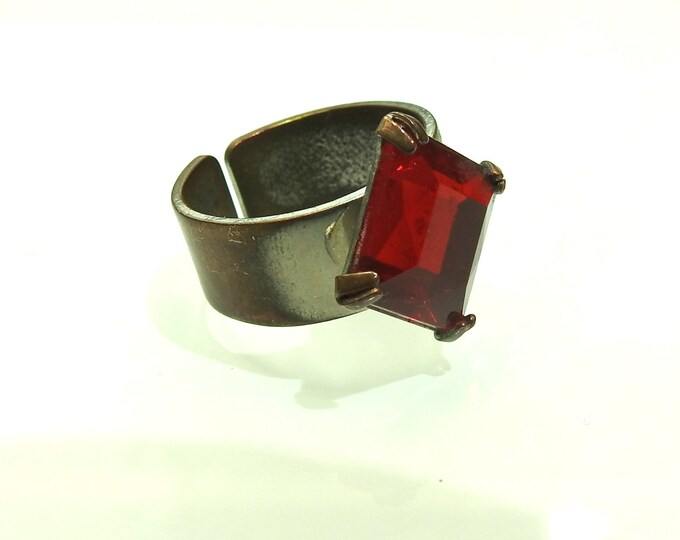 Sangria red rhinestone ring