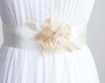 Bridal Sash Belt Wedding Dress Sashes Belts Lace Sash Belt - Light Gold Champagne Beige Flowers - Rustic Sash Belt Boho Bohemian Woodland