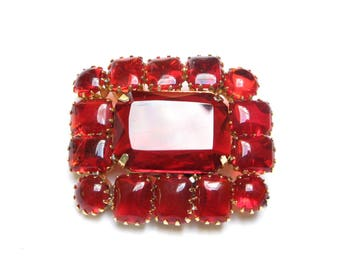 Vintage BROOCH Rhinestone Juliana Brooch Pin Red Jewelry JEWELED Brooch Dogtooth Setting Ruby Gift 1960s Madmen Renaissance Jewel Gift Idea