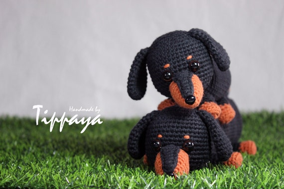 Amigurumi Wiener Dog Pattern : Crochet pattern of dachshund pencil case and dachshund