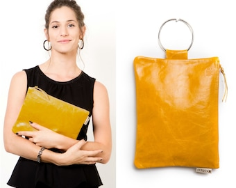 Yellow leather bag - Evening bag - Leather wristlet  Clutch bag - Mustard Leather clutch - Metal ring in Nickel color - Leather Zipper pouch
