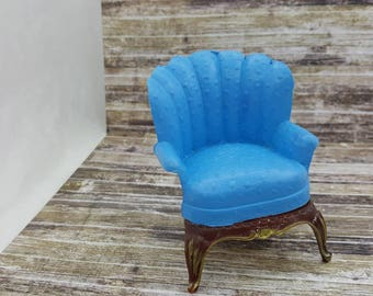 Renwal Wing  chair Blue  Doll House Toy  Plastic  Family room Den Cozy arm chair