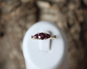 A Beautiful And Unusual Garnet Ring   SKU1648