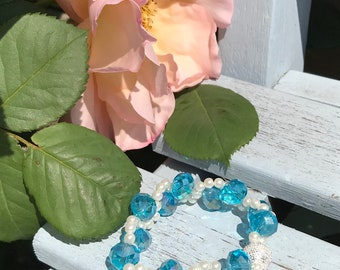 A pretty blue ripple bracelet