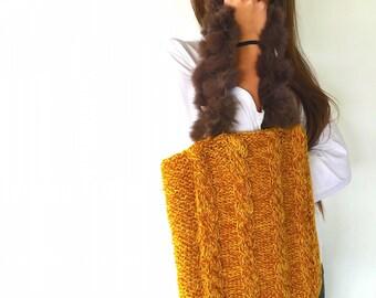 Bolso tejido a dos agujas en amarillo mostaza   Bolso de lana hecho a mano   Bolsos de moda para mujer   Bolsos originales   Bolsos tote