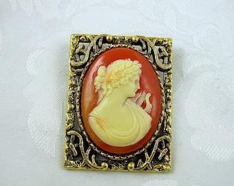 Vintage Cameo Brooch Pendant Grecian Woman Oval Goldtone