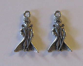 2 Silver Pewter Magician/Little Prince/Oz Charms (qb22)