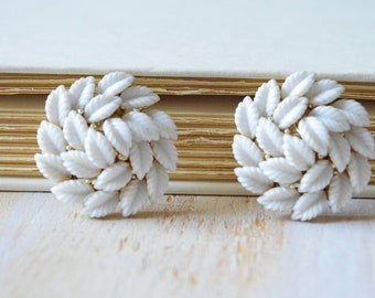 White Leaf Earrings |  1980's Statement Clip on Earrings
