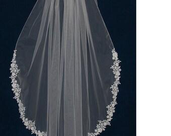 Venise Lace Edge Fingertip Length Ivory Wedding Veil