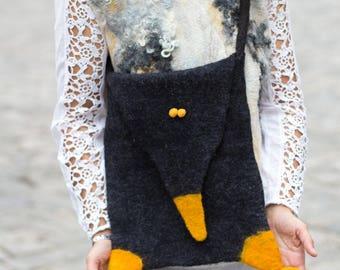 Crossbody bag, Crow made by hand, Wool felt bag Felt bag Felted bag Cross body bag Felted bag OOAK Boho hippy