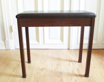 Piano bench from the 70s