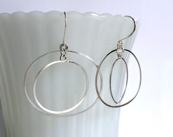 Sterling Silver Double Oval Hoop Earrings Open Circles Earrings Silver Hoop Dangles Hammered Wire Jewelry Kinetic Jewelry