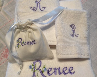 4 pc. Personalized towels and sachet set