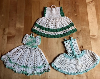 Vintage crocheted dress potholders